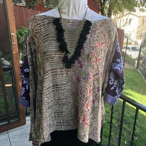 Free People Embroidered sweater top Xs/S